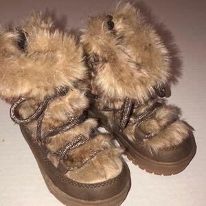 Genuine Kids OshKosh Fur Boots Size 6